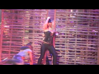 Britney: Piece of Me - Me Against The Music